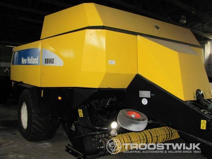 New Holland BB960S