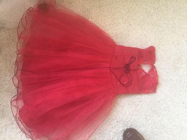 Красное червоне плаття на девочку 4-5 лет  500 грн. - Одежда для ... a1642b9576d04