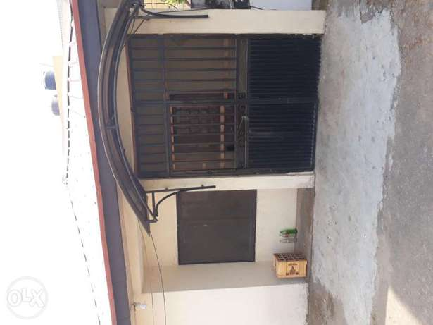 A very spacious room self contain to Let in wuse zone 6 Wuse - image 1