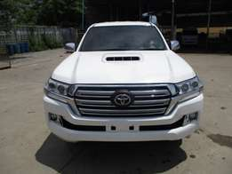 Toyota hilux rev 2012 landcruiser 2017 zx facelift , finance availlabl