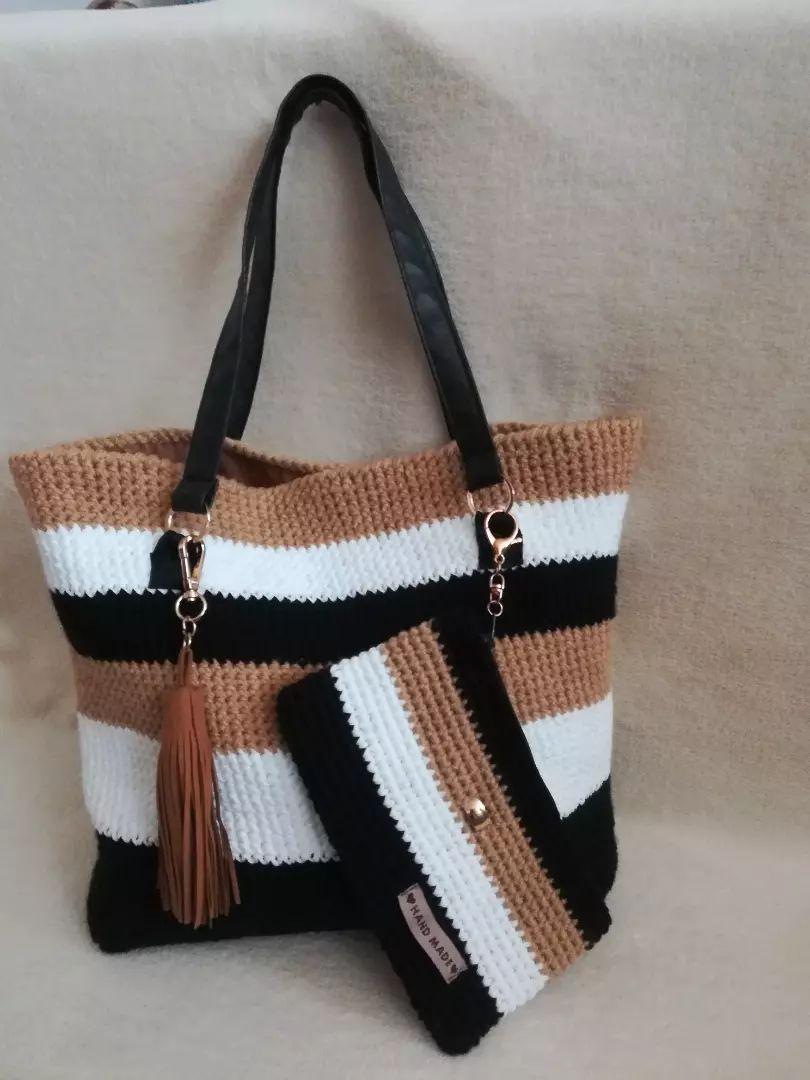 Háčkovaná kabelka - Dámská móda - 13512284  be1c9c1c87b