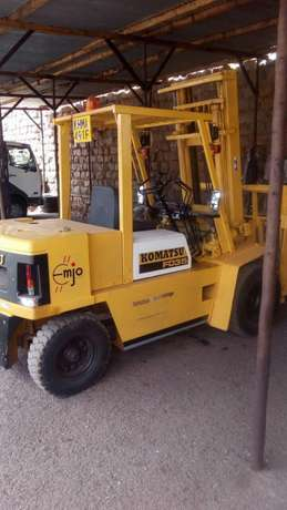 Forklift for hire 3tonnes to 5tonnes Biashara - image 1
