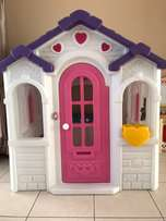 Step 2 sweetheart playhouse and kitchenette