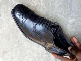 Black leather semi Brogues men shoe