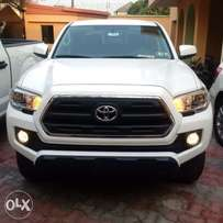 Tokunbo 2016 Toyota Tacoma 4X4 (Almost new) 23M