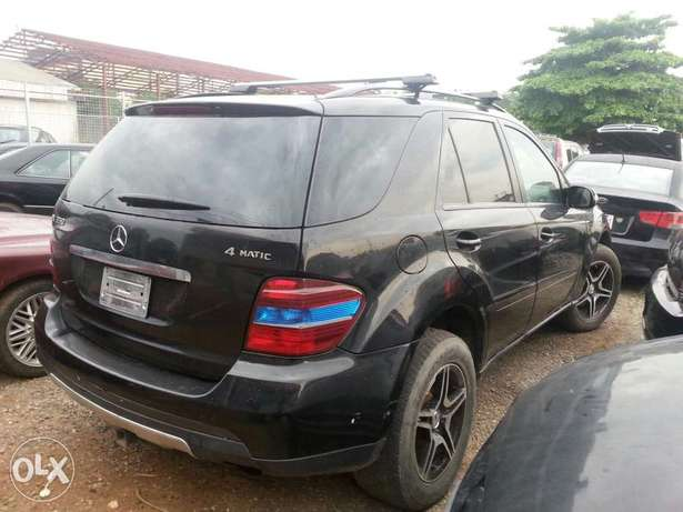 Reg 2006 Mercedes-Benz ML350 Ikeja - image 7
