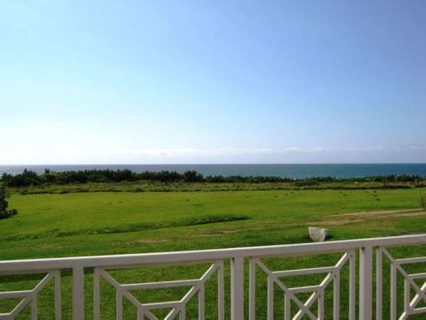 6 Bedroom,4 Bathroom Beach Front House with Breaker Views- Port Edward Margate - image 2
