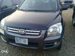 Super clean Kia Sportage 2008 model