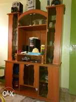 A decent wallunit wants to relocate to another town