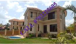 6 bedroom mansion for sale in Naalya at 900m