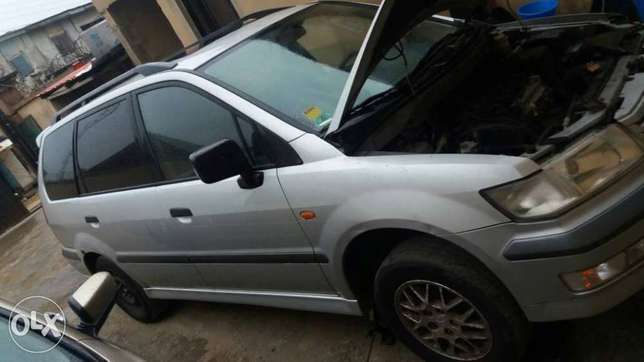 Clean space bus for sale Ikeja - image 2