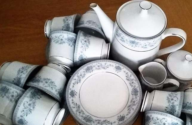 You want to host tea parties with this stunning Noritake Blue Hill set Strand - image 1