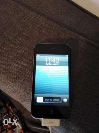 Ipod 8 gb Apple without a charger last price 100,000