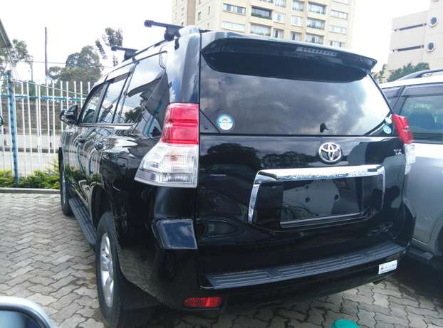 2009 Land cruiser Prado TX,2700cc,Sunroof,Leather seats,Back Camera. Nairobi CBD - image 6