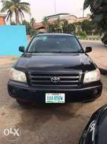 Super Clean Black 2005 Toyota Highlander LE
