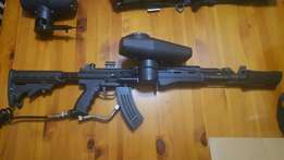 Paintball gun with loads of extras