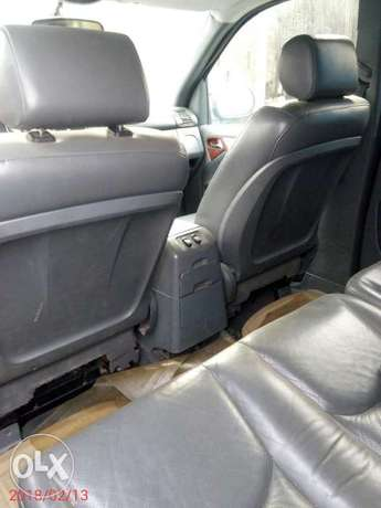 Neatly used 02 Mercedes-Benz ML 320 Ojo - image 8