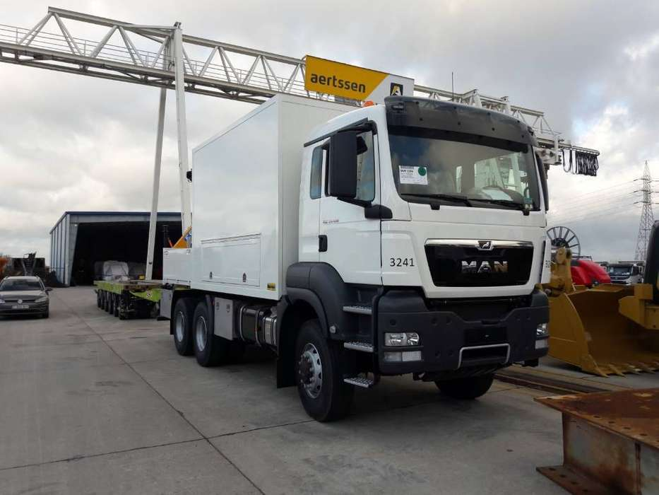 MAN 33.400 6x6 Servicetruck - 2017 - image 2