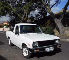 2007 Nissan 1400 5 speed R35 000 NOT Negotiable at all
