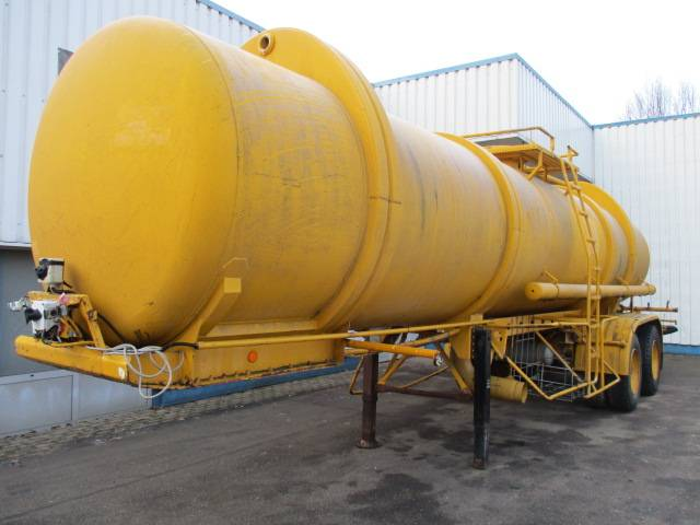 Magyar 2 Axle Water Tank , Spring Suspension , 21.000 Liters - 1981