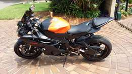 2008 Yamaha YZF-R6 Black and Orange 19200km + KBC helmet &Gaerne boots