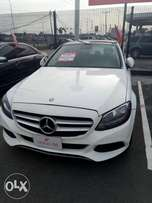 Charming luxury C300 Mercedes Benz 2016 white color at Lekki N16.5m