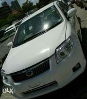 White Toyota axio car on sale.