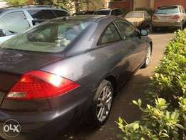 Sound and clean 2007 Honda accord coup used by a woman