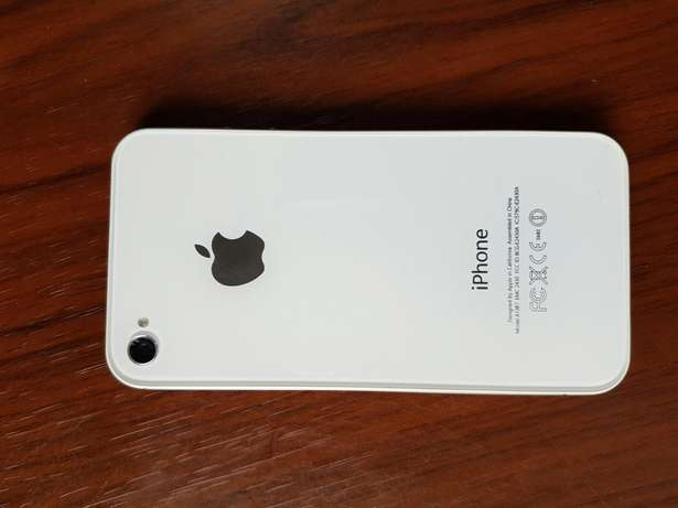 A very neat iPhone 4s 64gb/2gb Gwarinpa Estate - image 1