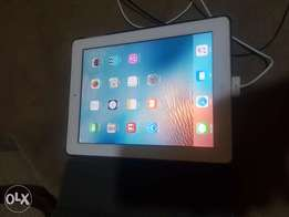 IPad 3 64gb Wi-Fi and SIM plus leather cover