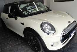 ONLY 21000 kms. supper slick mini cooper 1.5 twin turbo inter cooler.
