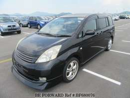 Toyota isis model 2005 for sale