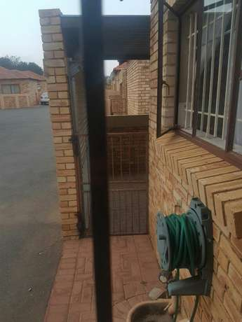 townhouse to let Greenhills - image 2