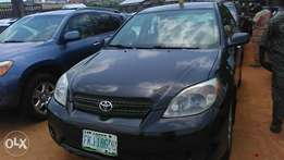 One year used Toyota matrix 06 buy n travel