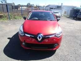2014 Renault Clio,red in color,4 doors,57 000 km ,excellent condition