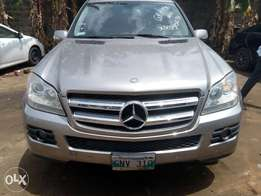 Just cleared tokunbo 06 Benz on sale