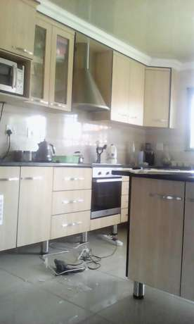 Leaders in aluminum windows and kitchen units Penge - image 4