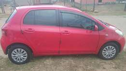 2007 TOYOTA Yaris 1.3i FOR SALE R55000 neg