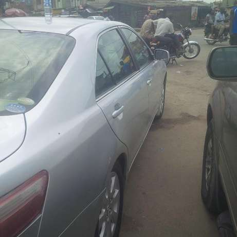 Super clean Toyota Camry 2010 model forsale Surulere - image 7