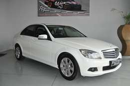 Mercedes Benz C180 CGI BE Classic A/T in very good condition