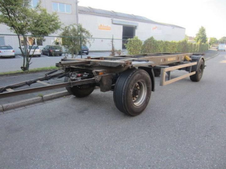 Schmitz Cargobull WF18, BDF-Wechselfahrgestell - 2000