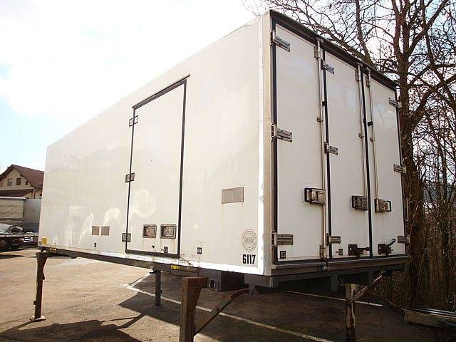 ISOTHERM-KOFFER 7,45M - 2001