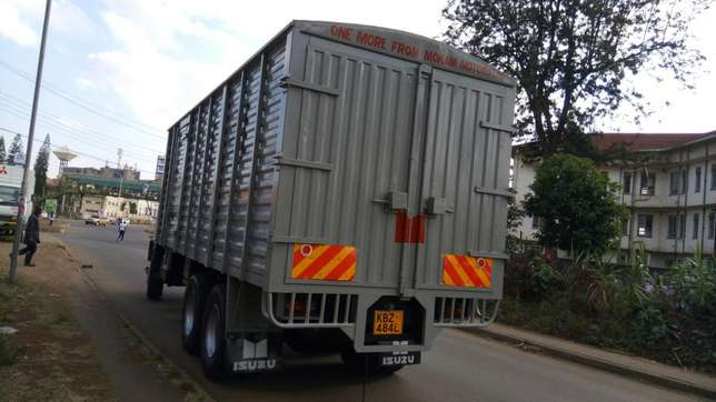 ISUZU FVZ KBZ 2014Model,very clean and in Good condition!! Parklands - image 6