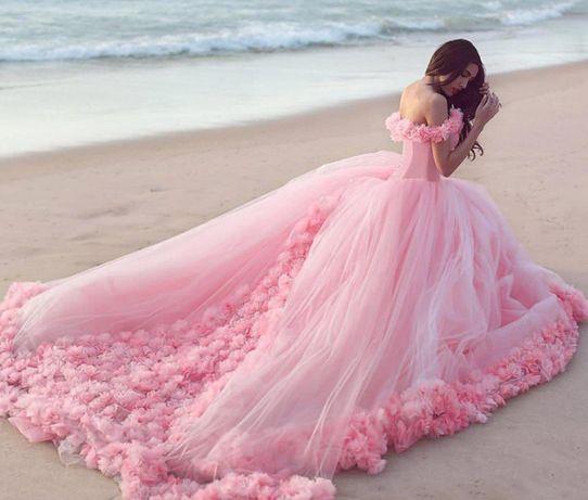 411cc607dccc388 Свадебное розовое платье с розами недорого: 5 800 грн. - Свадебные ...