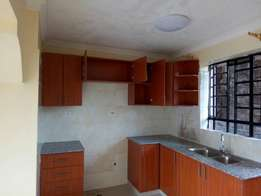 Ruaka:Executive 2 bedrooms ensuite to let.