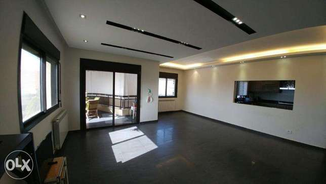 Ballouneh 160m2 decorated private street apartment for sale