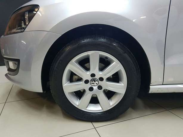 2013 VW Polo 6 1.4 Comfortline 5DR Newcastle - image 5