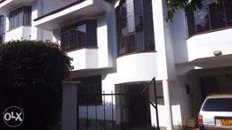 Delightful 5Bedroomed townhouse for rent.