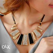 imported Fashion Jewelry Pendant Chain Crystal Chunky Bib Necklace