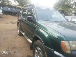 Neatly used 01 nissan exterra for sale.